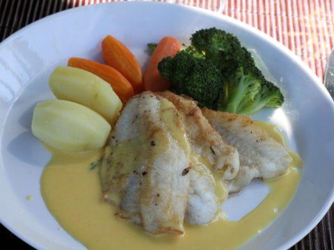 Ahvenfilee appelsiini-kardemummakastikkeella | Reseptit | Hätälä Oy