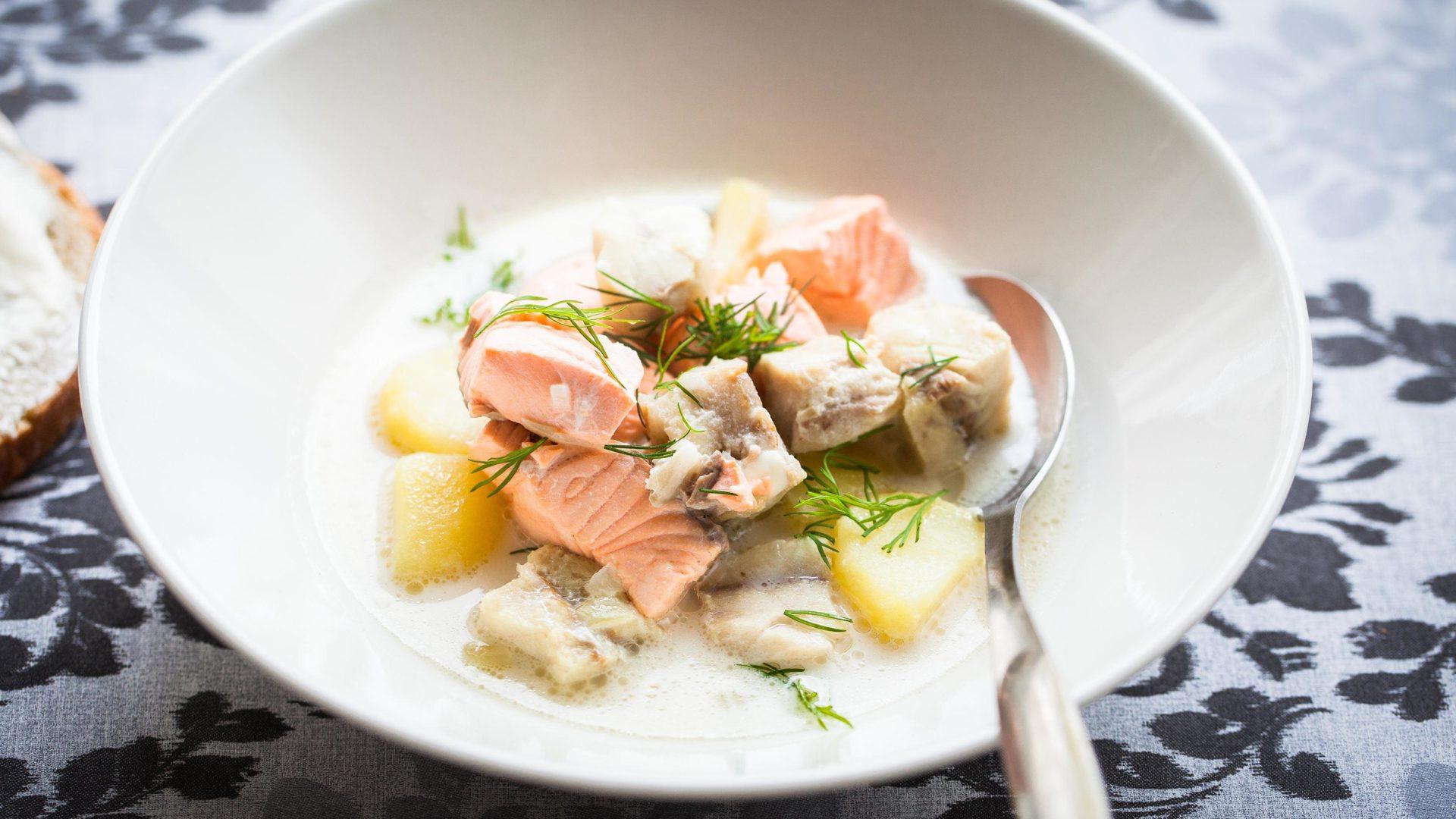 Hätälän selkeät ohjeet kalaliemen valmistukseen
