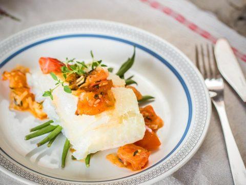 Lipeäkalaa ja tomaattisalsaa | Reseptit | Hätälä Oy