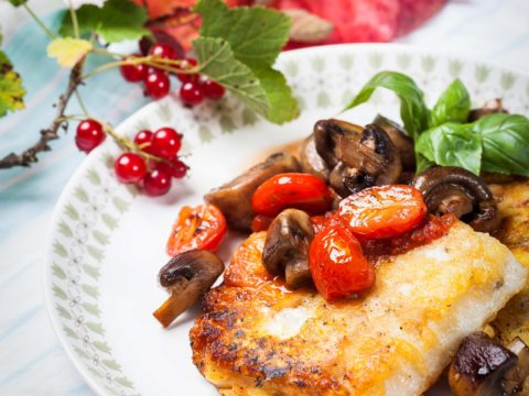 Paneerattu ahven-piccata kotimaisesta kalasta | Reseptit | Hätälä