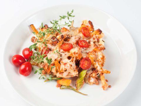 Tomaattinen savulohipasta, helppo arkiruoka | Reseptit | Hätälä