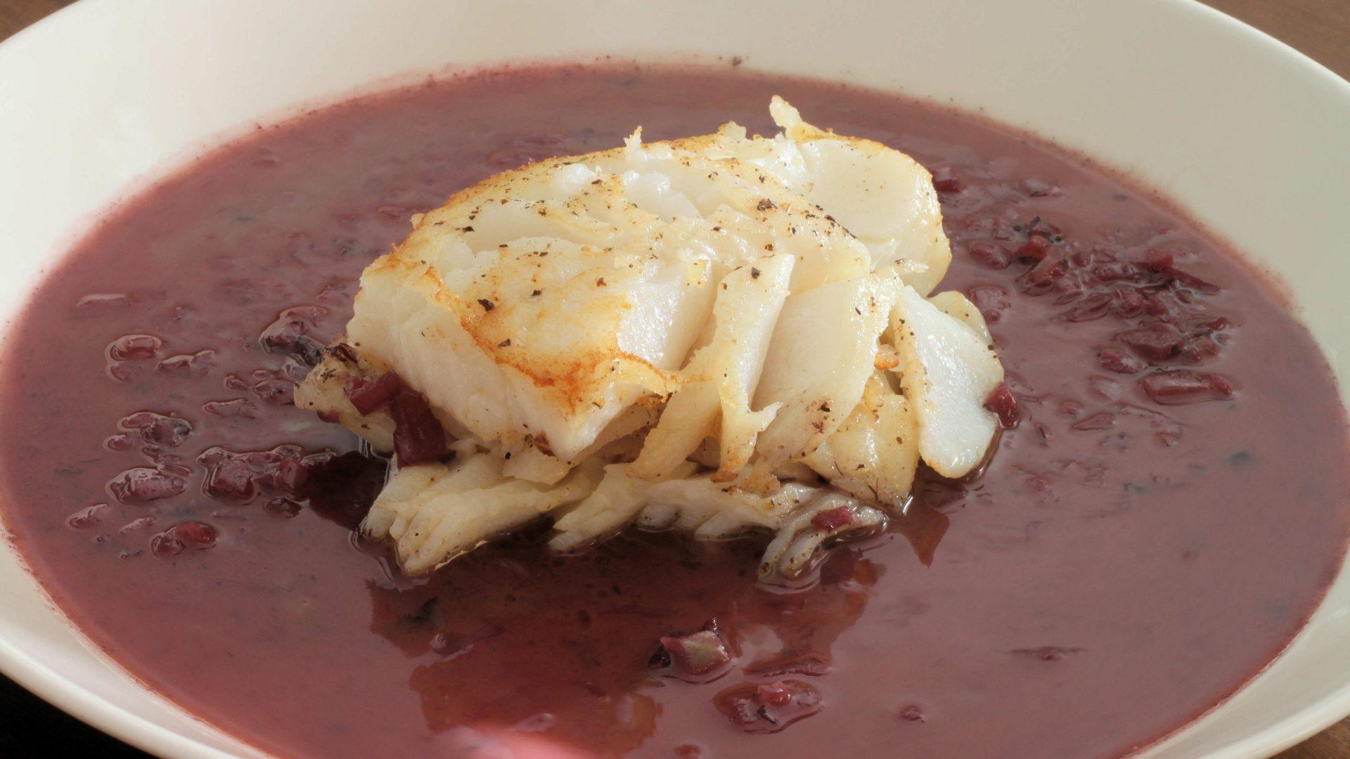 Paistettua turskaa punaviinikastikkeella | Reseptit | Hätälä Oy