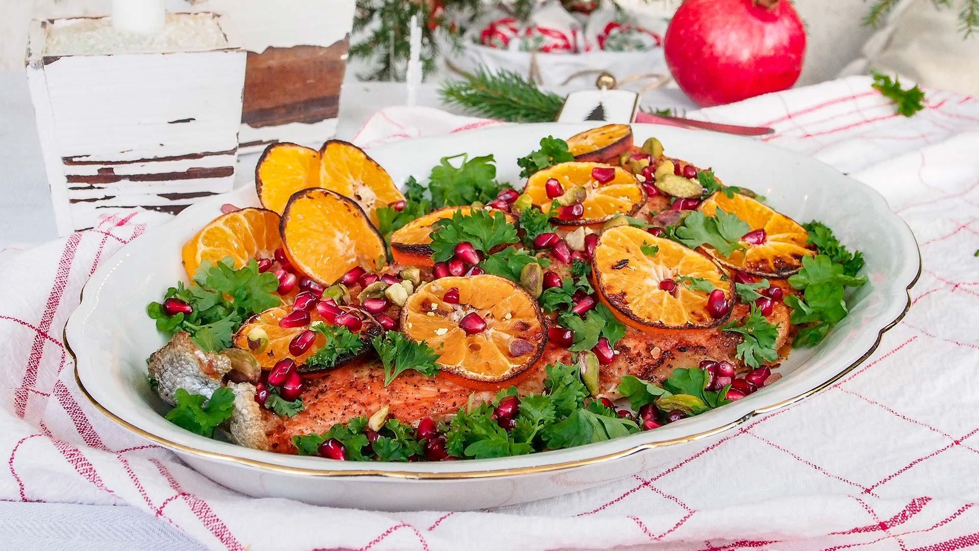 Värikäs ja täyteläinen joululohi piparkakulla | Reseptit | Hätälä