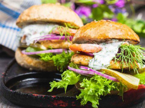 Onkimiehen kalaburger | Kalareseptit | Hätälä