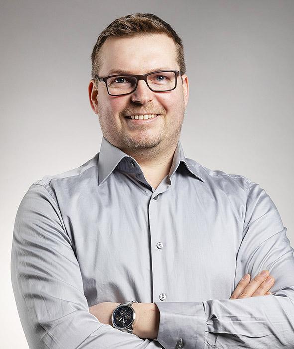 Petri Tilkkala | Yhteystiedot | Hätälä