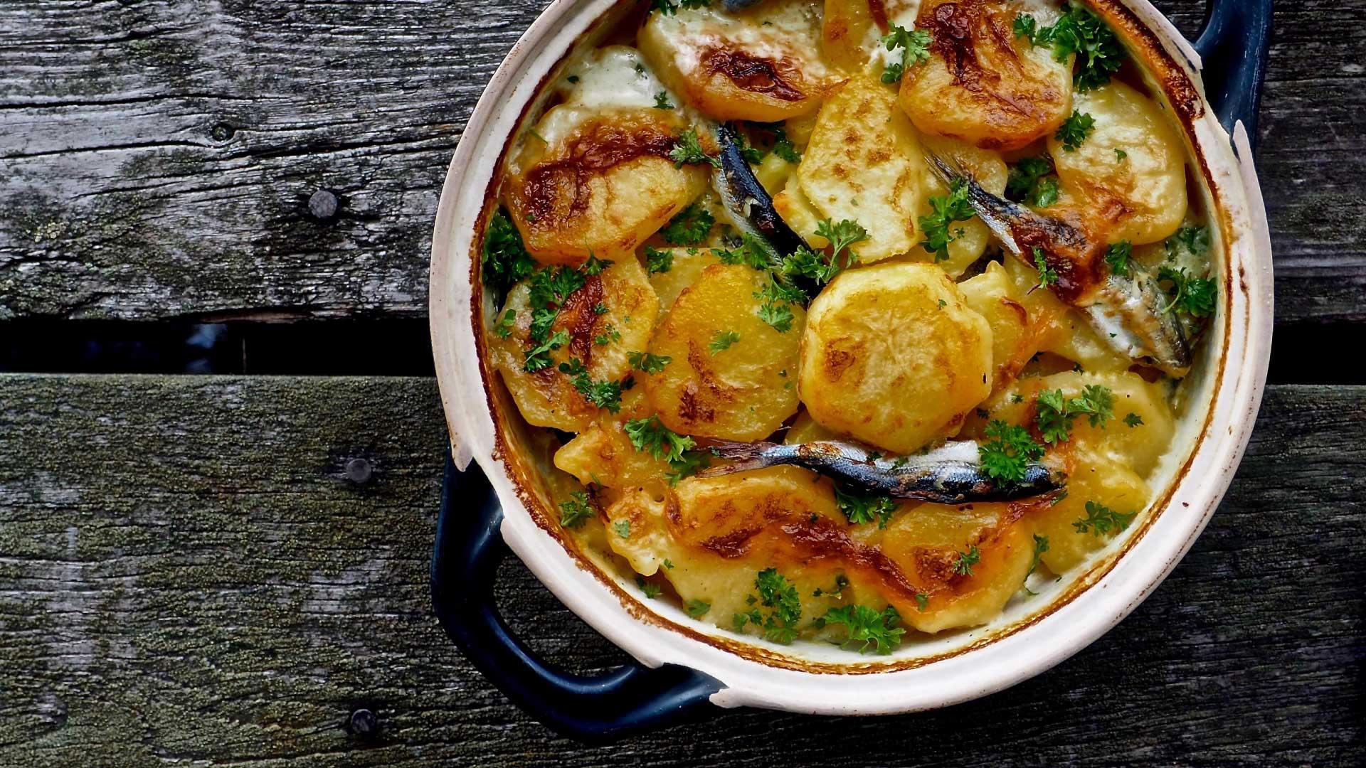 Täyteläinen muikku-perunapata tuoreista muikuista | Reseptit | Hätälä