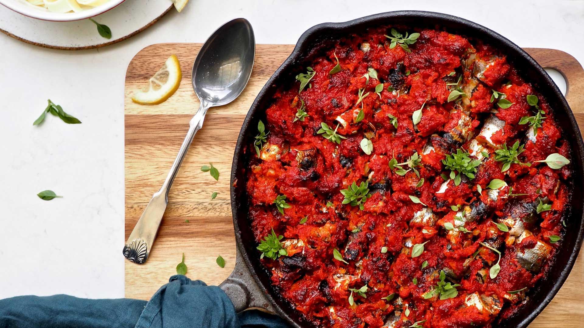 Helppo ja maukas Tomaatti-silakkapannu | Reseptit | Hätälä