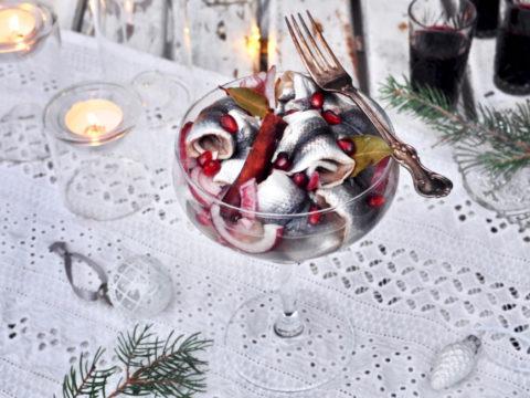Mausteiset marinoidut joulusilakat | Reseptit | Hätälä Oy