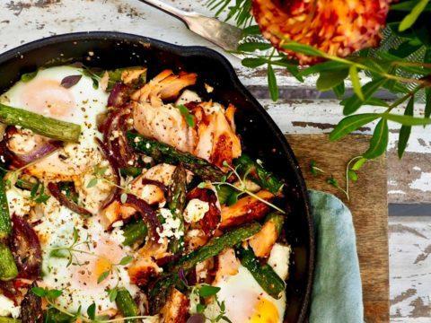 Helppo lohi-parsapannu | Kalareseptit | Hätälä