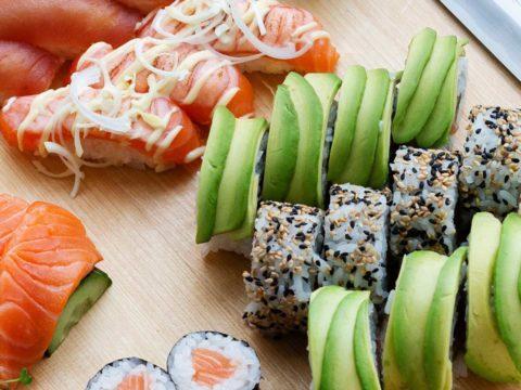 California roll sushi | Sushiresepti | Hätälä