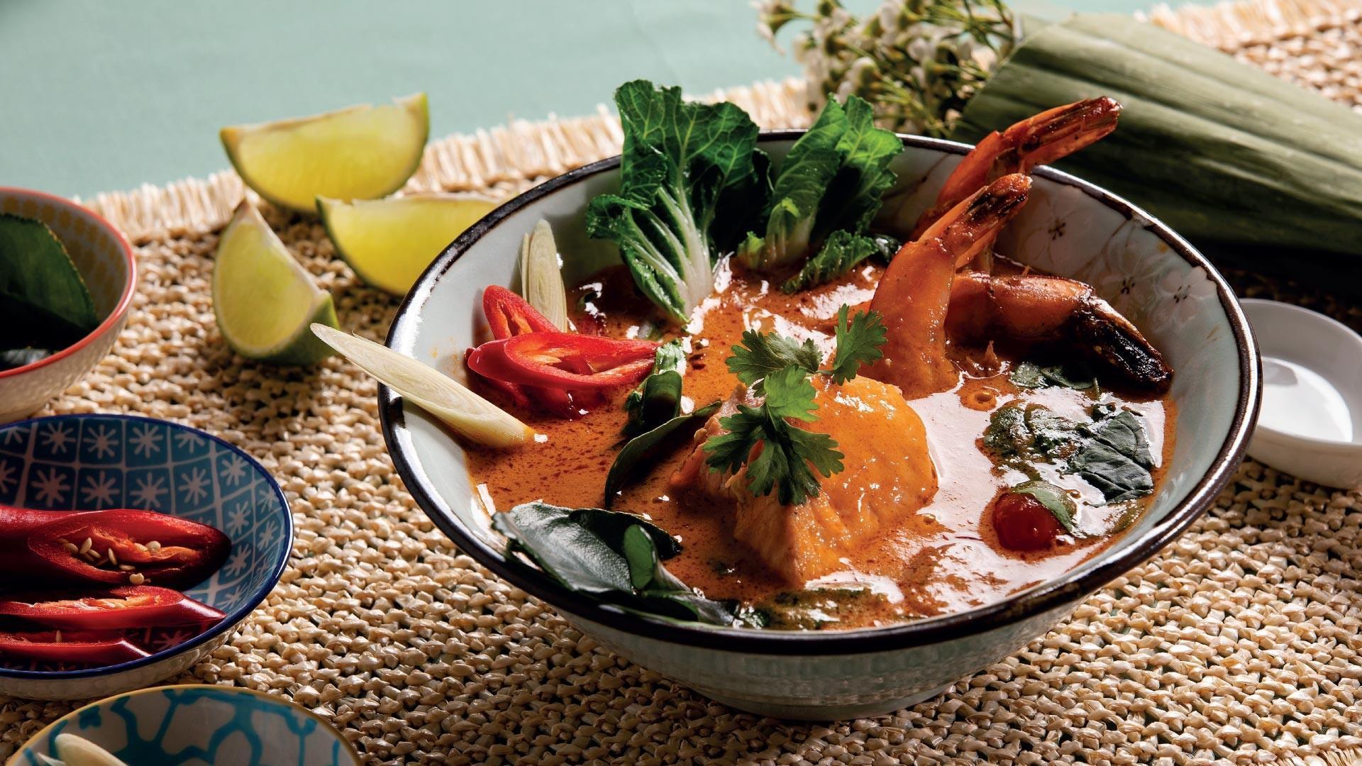 Thaimaalainen kalakeitto reseptikuva   Hätälä