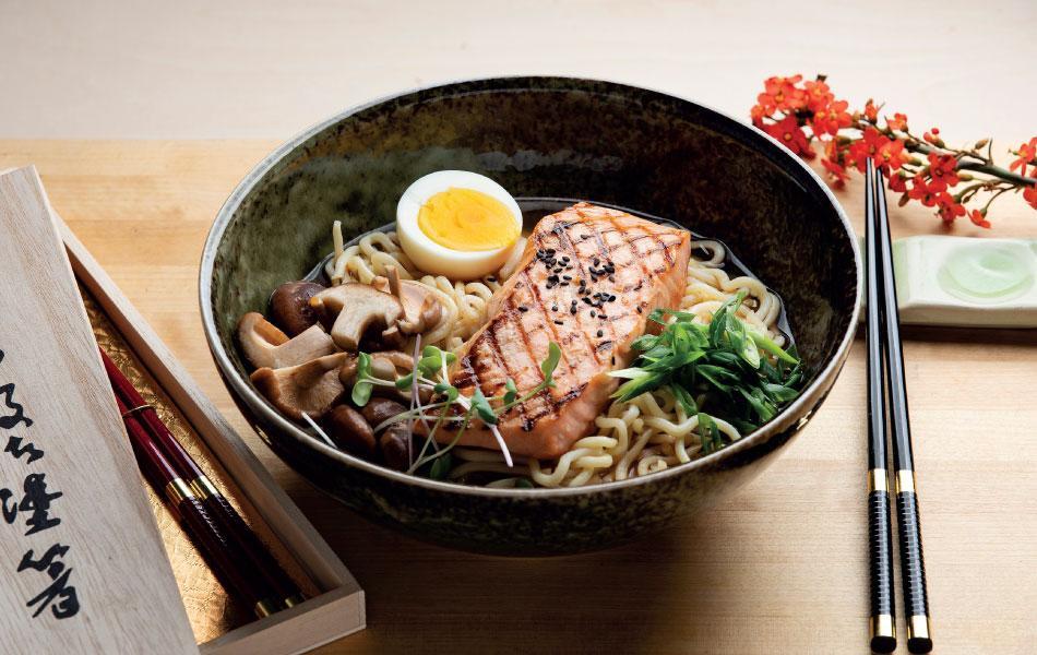 Japanilainen kalakeitto sisältökuva